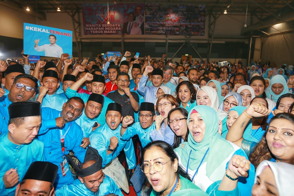 PKR deputy president Datuk Seri Azmin Ali poses for a group picture with delegates at the PKR Women and Youth National Congress in Melaka December 5,2019. — Picture by Ahmad Zamzahuri