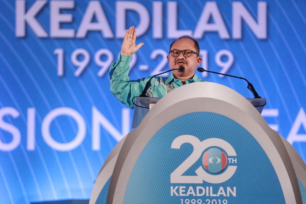 Datuk Seri Shamsul Iskandar Md Akin speaks during the 2019 PKR National Congress at MITC in Melaka December 8, 2019. — Picture by Ahmad Zamzahuri