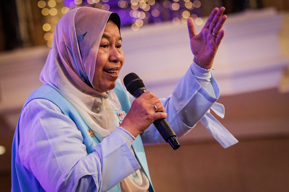 PKR vice president Zuraida Kamaruddin was criticised by party members for attacking fellow PKR leaders in her speech at the 'Shared Prosperity Vision' dinner on December 8 last year.— Picture by Hari Anggara