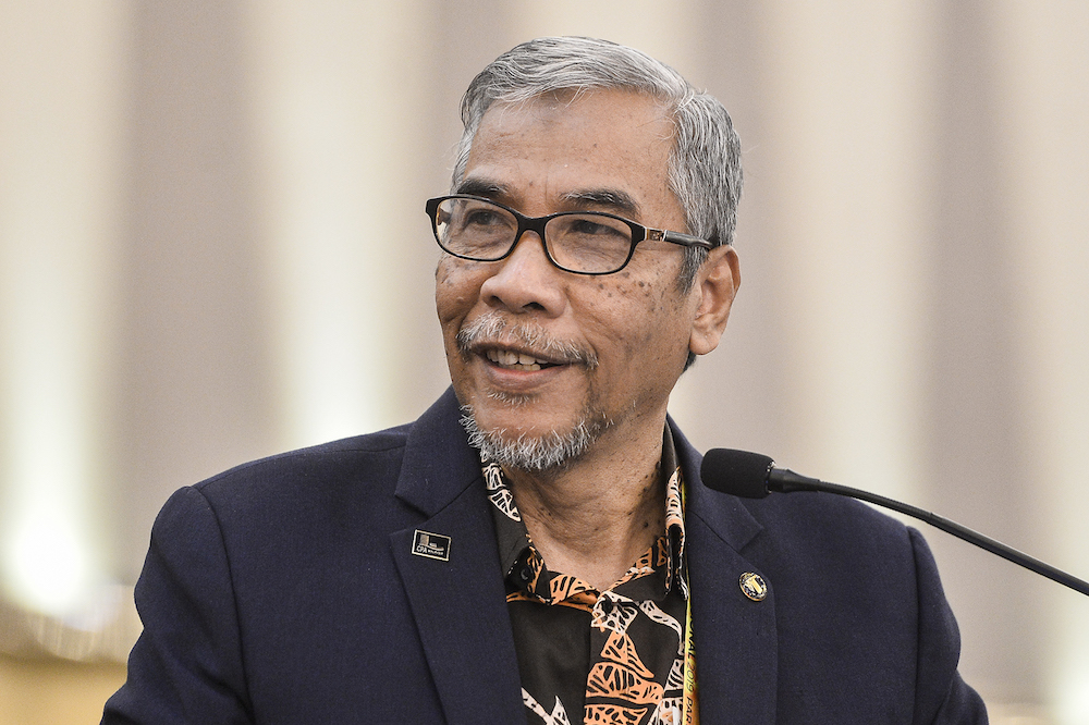 Datuk Dr Mohd Hatta Md Ramli speaks during Amanah's National Convention in Shah Alam December 8, 2019. — Picture by Miera Zulyana