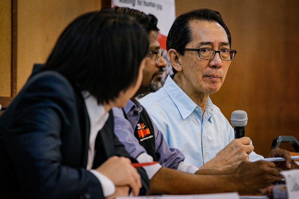 Suaram adviser Kua Kia Soong (right) speaks during a press conference in Kuala Lumpur December 9, 2019. — Picture by Hari Anggara