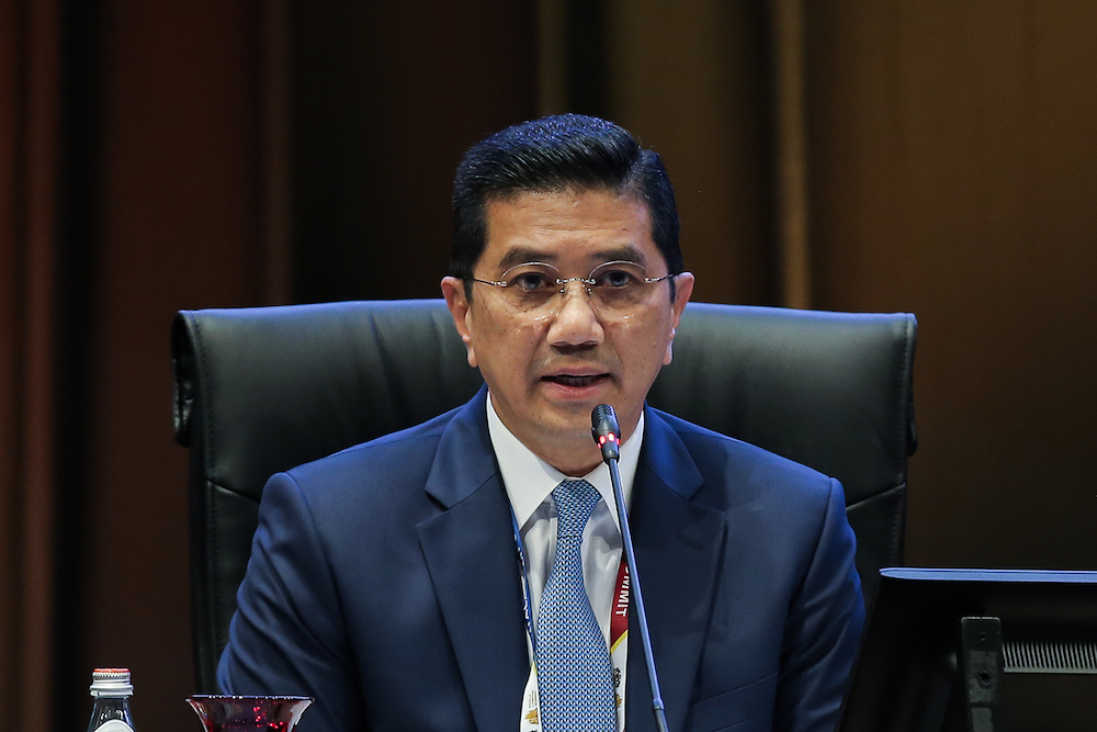 Economic Affairs Minister Datuk Seri Azmin Ali says the ministry's outlook is higher than the estimates by the International Monetary Fund and the World Bank, at 4.4 per cent and 4.5 per cent respectively. — Picture by Miera Zulyana