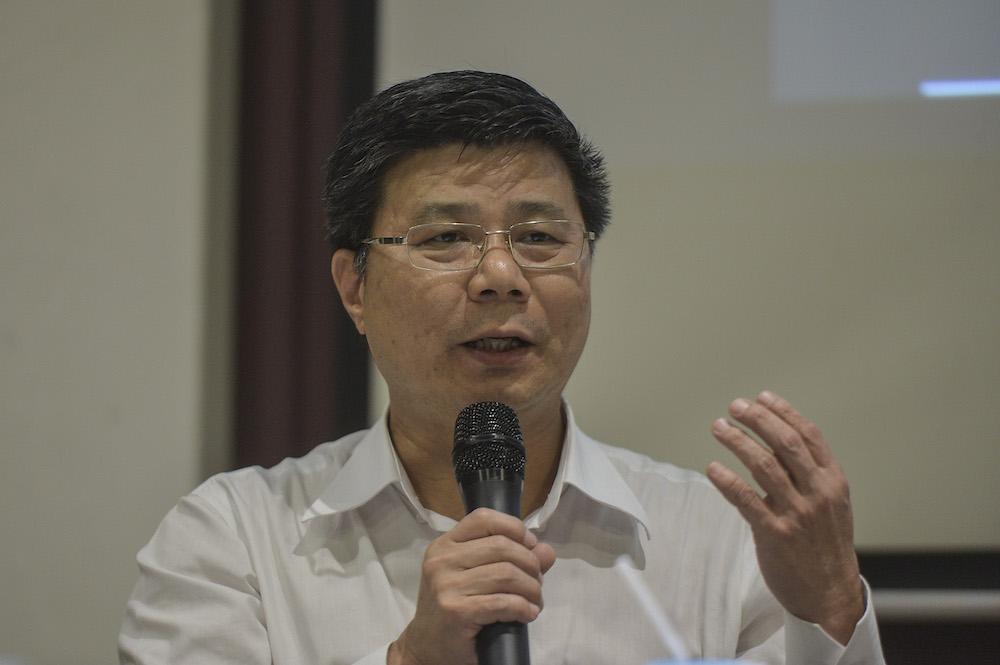 Dong Zong representative, Ng Chai Heng, speaks during the forum 'Jawi: Saling Memahami' at the Kuala Lumpur Selangor Chinese Assembly Hall (KLSCAH) in Kuala Lumpur December 26, 2019. — Picture by Shafwan Zaidon