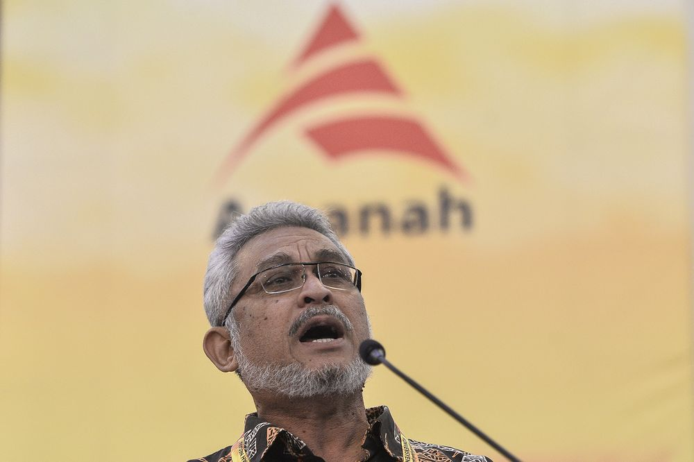 Khalid Samad speaks during the Parti Amanah Negara (AMANAH) National Convention in Shah Alam on December 07,2019. — Picture by Miera Zulyana