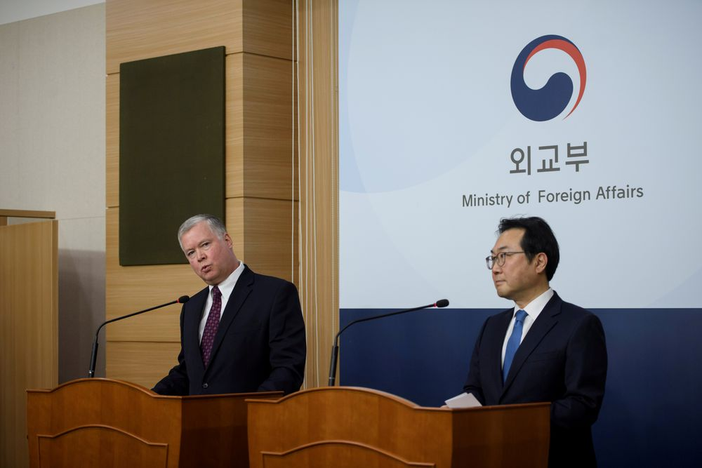 US special representative for North Korea Stephen Biegun (left) attends a media briefing with S.Korea's 'special representative for Korean peninsula peace and security affairs' Lee Do-hoon at the foreign ministry, Seoul, Dec16, 2019. — Reuters pic