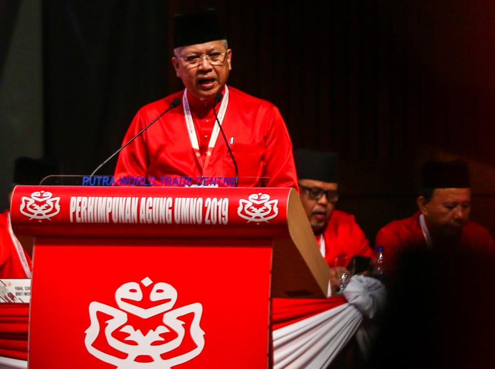 Umno secretary-general Tan Sri Annuar Musa speaks during the 2019 Umno General Assembly in Kuala Lumpur December 6, 2019. ― Picture by Firdaus Latif