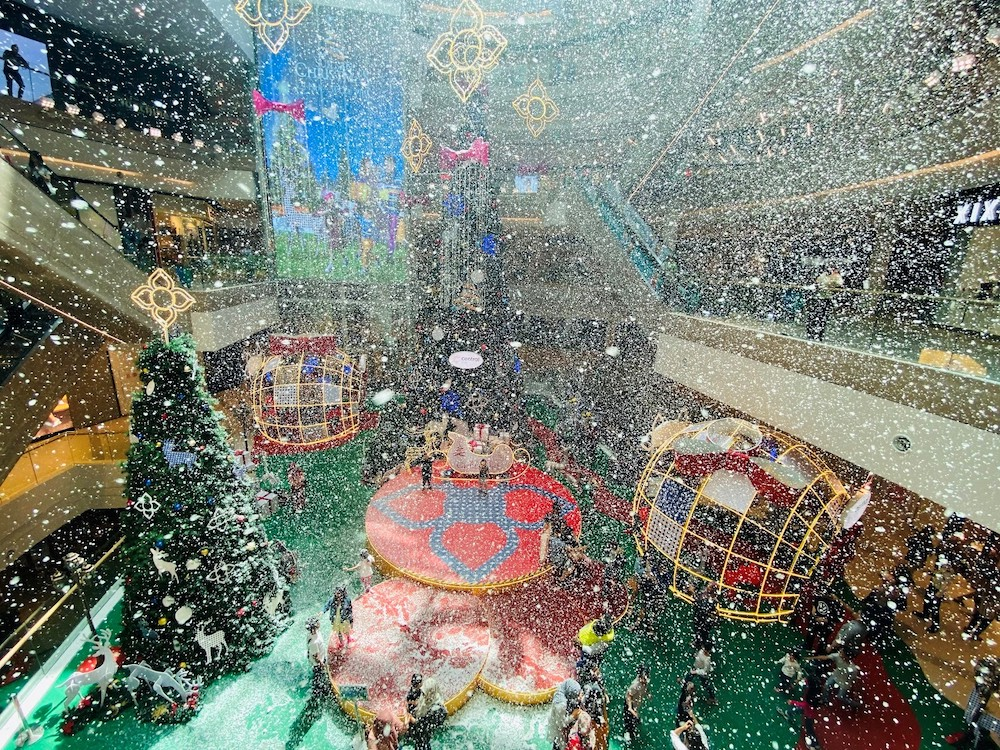 Experience a white Christmas when it snows at the mall. — Picture courtesy of Central i-City.
