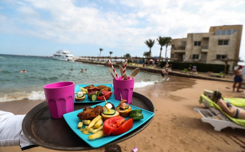 At the Egyptian resort of Hurghada, at in other cities of Egypt's Red Sea province disposable plastic shopping bags and throw-away utensils have been largely replaced with alternatives made from paper, other organic materials and biodegradable plastic. ― AFP pic