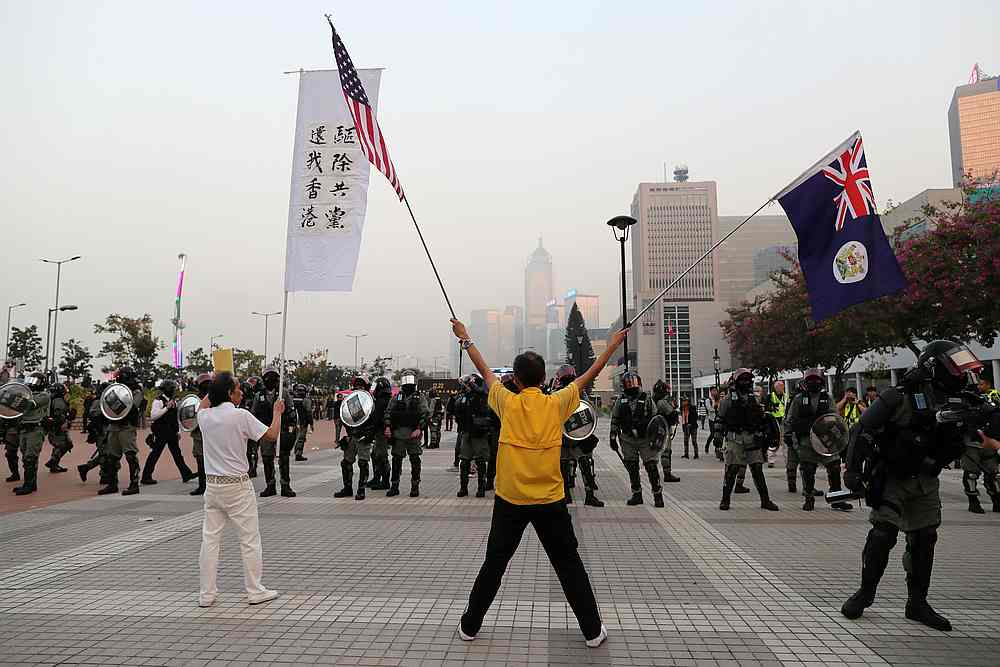 The poll found that while protesters got a lot of support, respondents did not want total independence. — Reuters pic