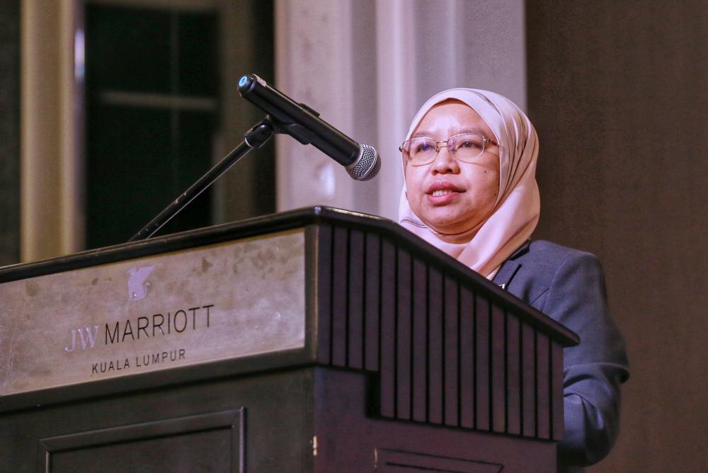Economic Affairs Ministry deputy secretary-general (macro) Zunika Mohamed Zunika Mohamed speaks during the UNDP Human Development Report 2019 in Kuala Lumpur December 17, 2019. ― Picture by Ahmad Zamzahuri