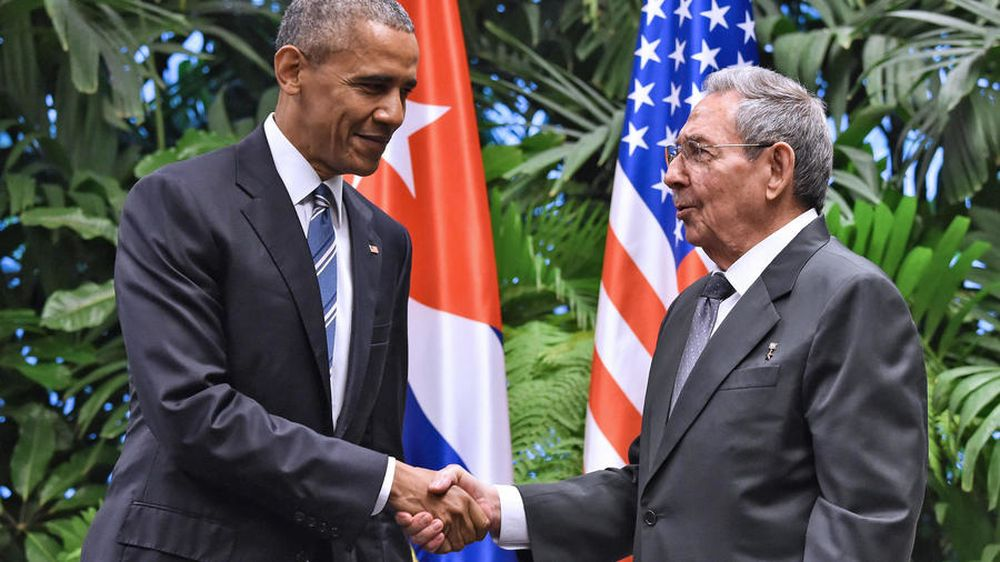US President Barack Obama and Cuba President Raul Castro agreed to revive diplomatic ties severed since 1961. — AFP file pic
