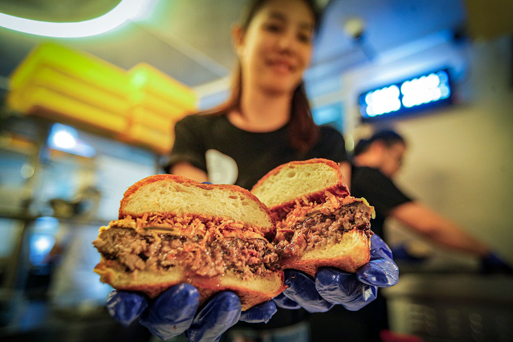 Could this be the perfect burger from Buns Meat & Cheese by Homeburg? — Pictures by Hari Anggara