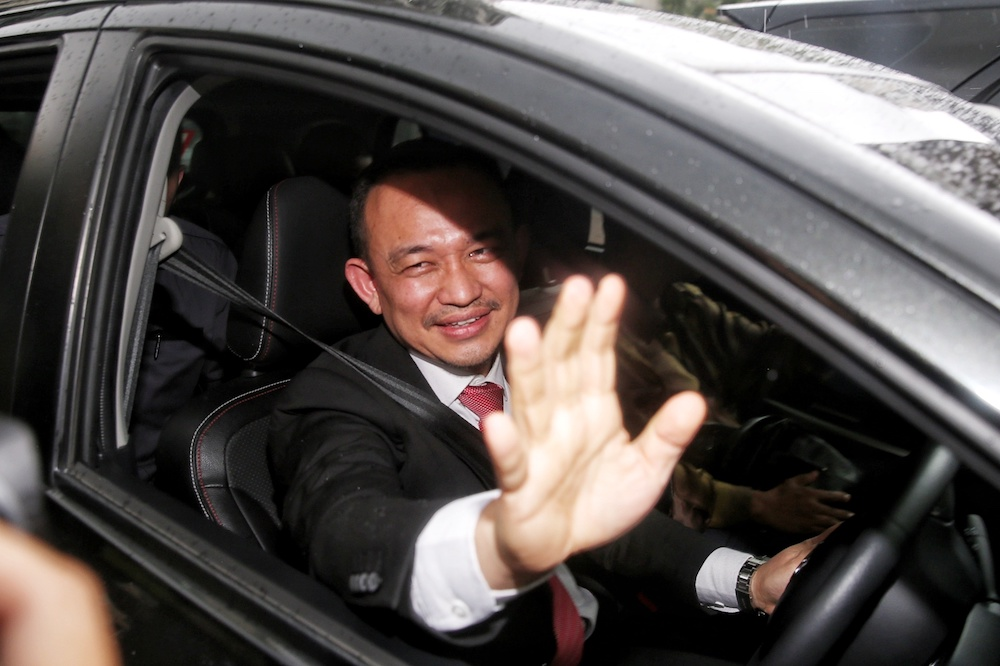 Maszlee Malik leaves after announcing his resignation as education minister at a press conference in Putrajaya January 2, 2020. — Picture by Choo Choy May