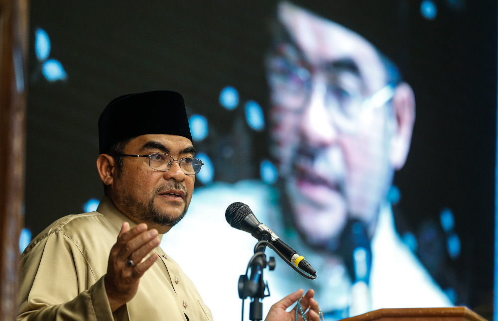 Minister in the Prime Minister's Department Datuk Seri Mujahid Yusof said insulting Islam and the Holy Quran were provocative acts which could not be compromised. — Picture by Sayuti Zainudin