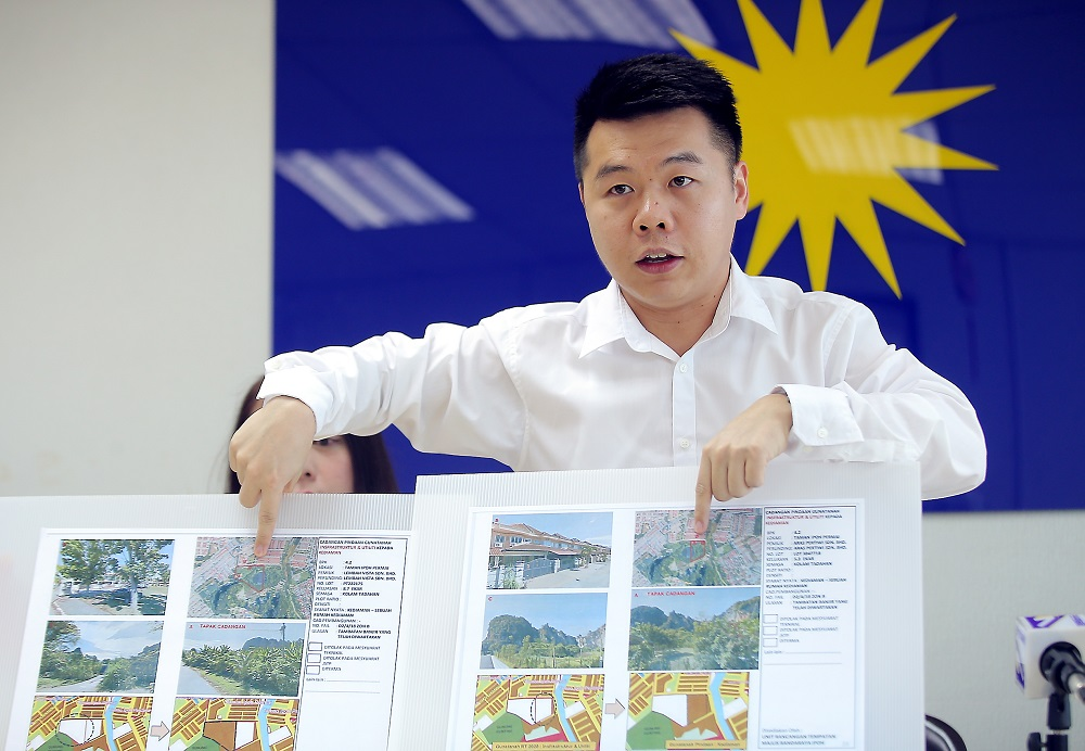 Perak MCA Public Services and Complaints Bureau chief Low Guo Nan speaks during a press conference in Ipoh January 20, 2020. — Picture by Farhan Najib