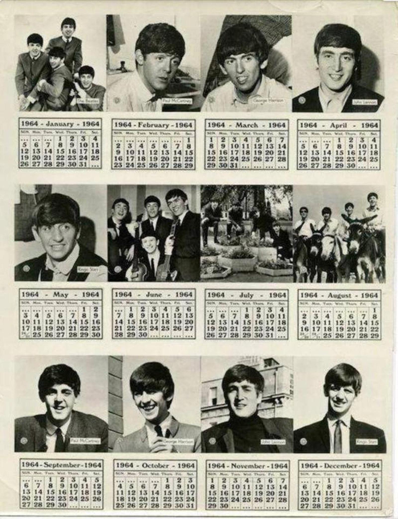 老旧的日历上可见披头四成员们的照片,让不少网民感概。