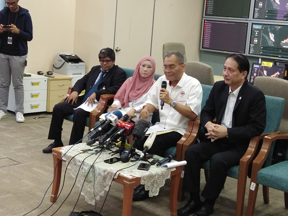 Health Minister Datuk Seri Dzulkefly Ahmad (second right) speaks during a press conference in Kuala Lumpur January 25, 2020. — Picture via Twitter/KKMPutrajaya