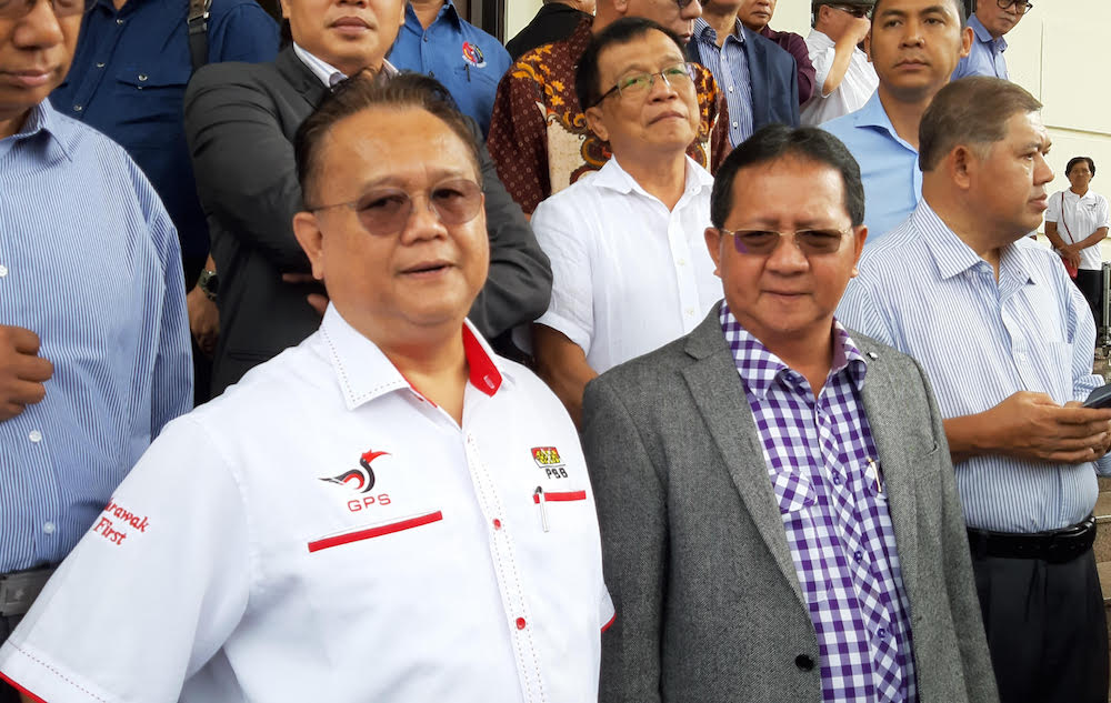 Domestic Trade and Consumer Affairs Minister Datuk Alexander Nanta Linggi said the fire incident at an oil refinery in Port Dickson yesterday did not affect the whole supply chain as it only involved one storage tank. — Picture by Sulok Tawie
