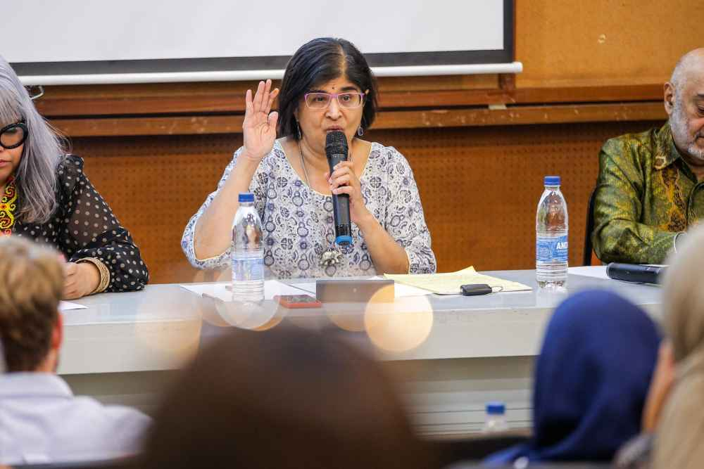 Datuk Ambiga Sreenevasan Ambiga also lamented that Azhar's exit from the Commission has now left it 'vulnerable'. ― Picture by Hari Anggara