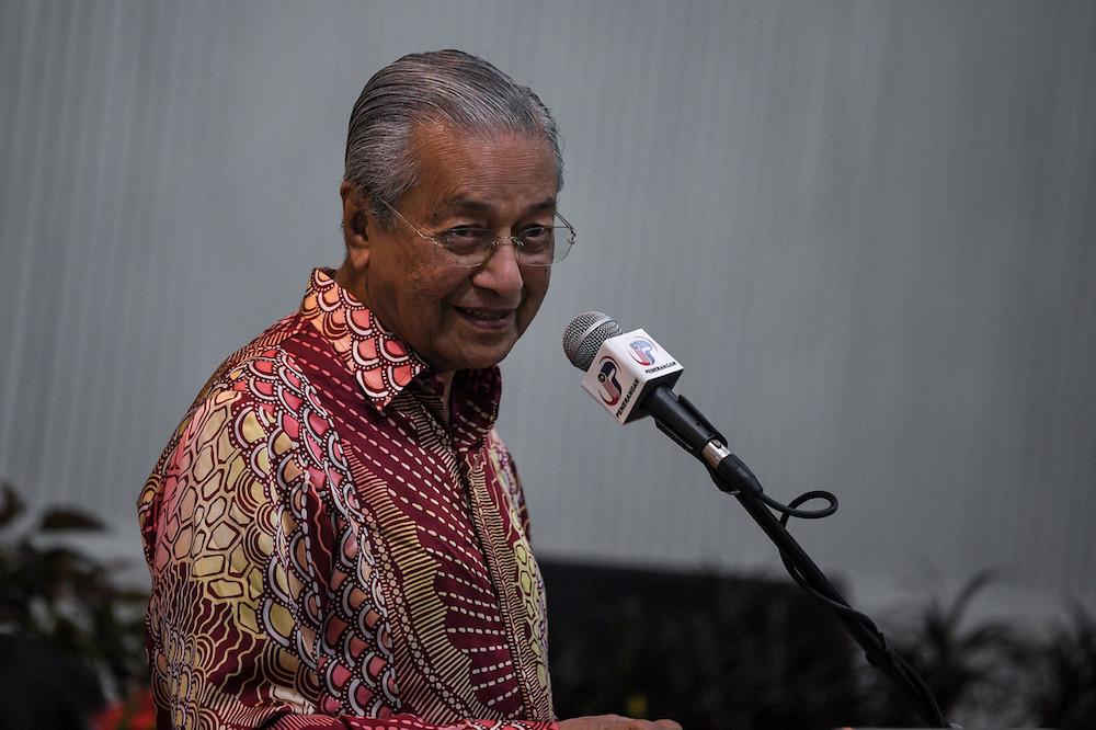 Prime Minister Tun Dr Mahathir Mohamad speaks at the 'Majlis Makan Malam Santai 2020 Parlimen Kuala Kedah' in Alor Setar January 18, 2020. — Bernama pic