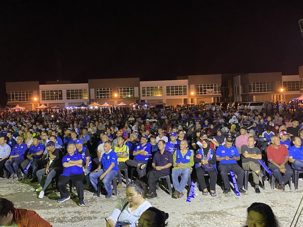 The 'Himpunan Muafakat Rakyat Sabah' turnout saw over a 1,000 people in attendance in what seemed like the largest turnout in the Kimanis by-election yet. — Picture by Julia Chan