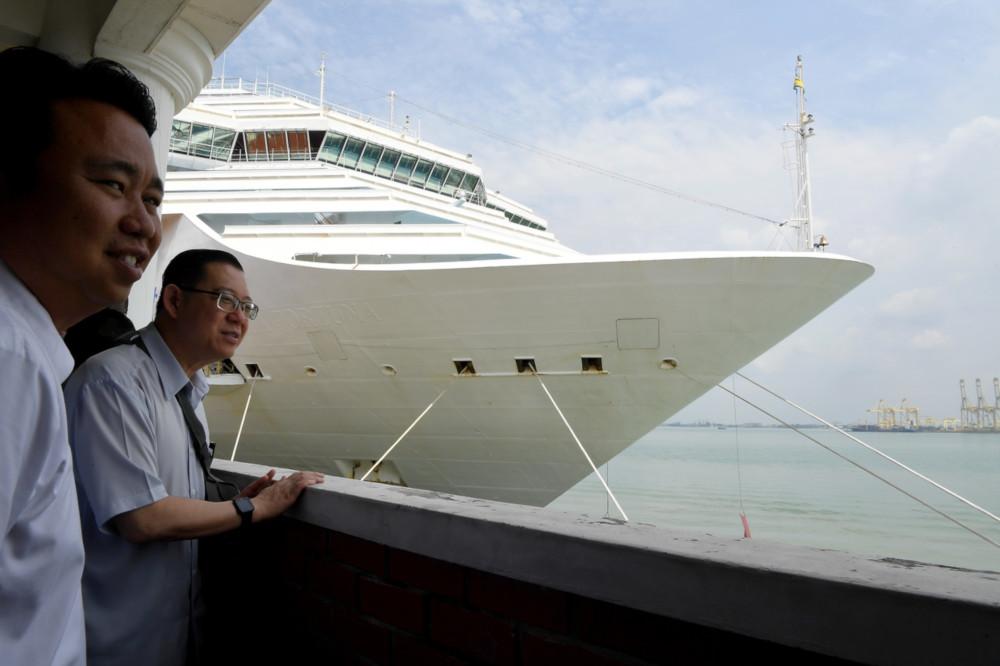 Finance Minister Lim Guan Eng visits the Swettenham Pier Cruise Terminal in George Town, Penang, January 11, 2020. — Bernama pic