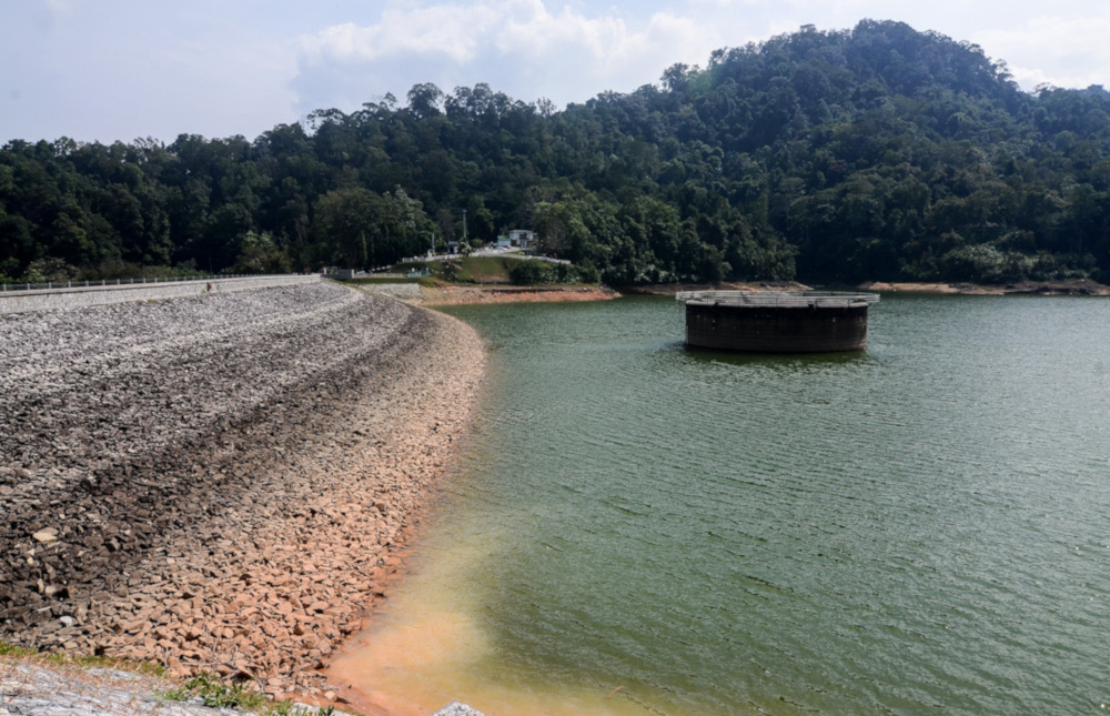 The water level at the Air Itam Dam is at 62 per cent as of January 15, 2020. — Picture by Sayuti Zainudin