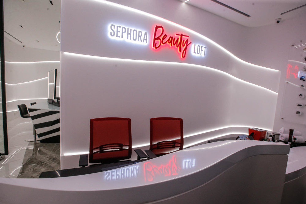 Sephora Gold members can pamper themselves with a facial and lip treatment at the beauty loft upstairs. — Picture by Hari Anggara