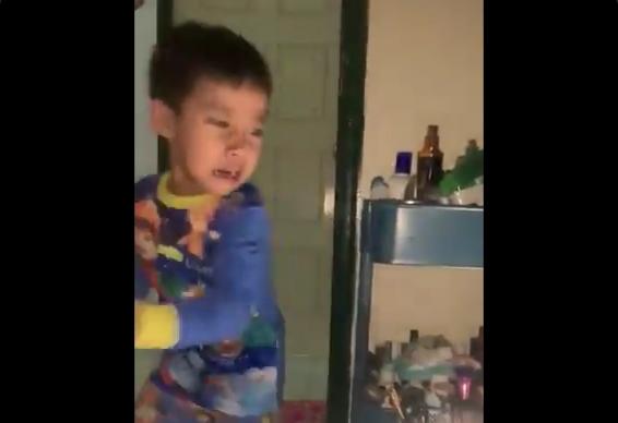 The moment the little prankster got pranked. — Image via Twitter/@sabiyusof