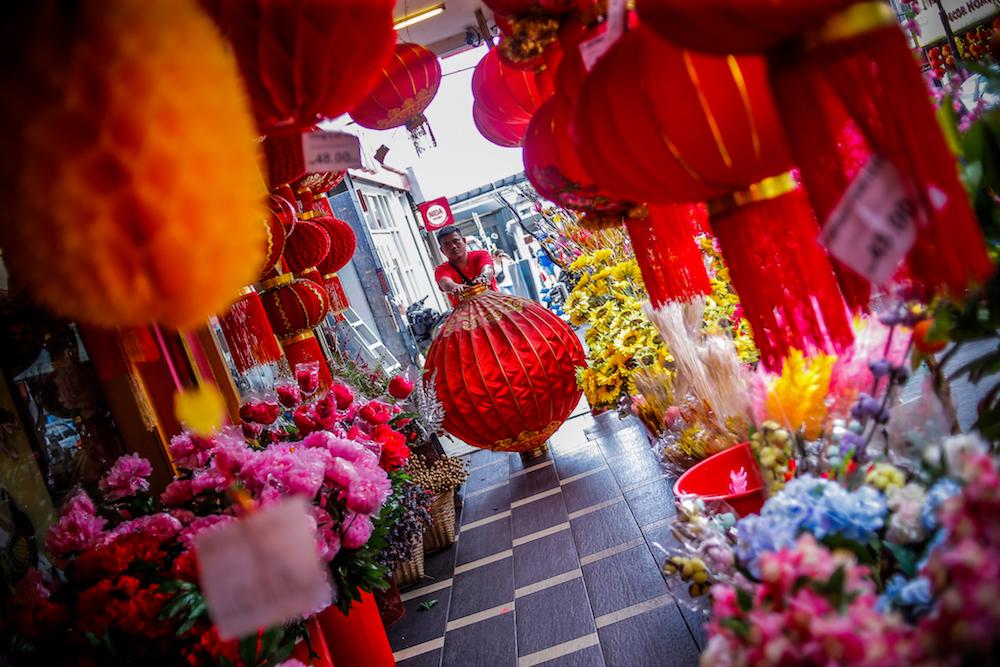 A shop sells Lunar New Year decorations near Jalan Tun HS Lee in Kuala Lumpur January 7, 2020. — Picture by Hari Anggara