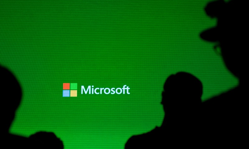 Microsoft confirmed that it will launch a small Xbox S game console priced at $299 in November.― AFP pic