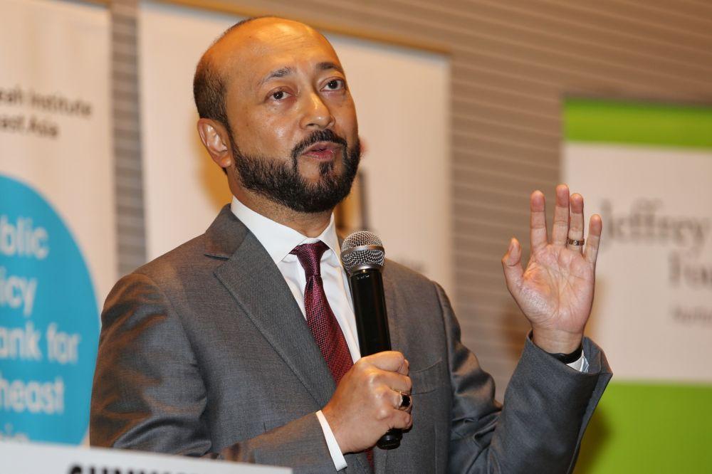 慕克里兹表示,若反对党大联盟接纳有官司缠身的国会议员,那斗士党不会加入联盟。-Choo Choy May摄-