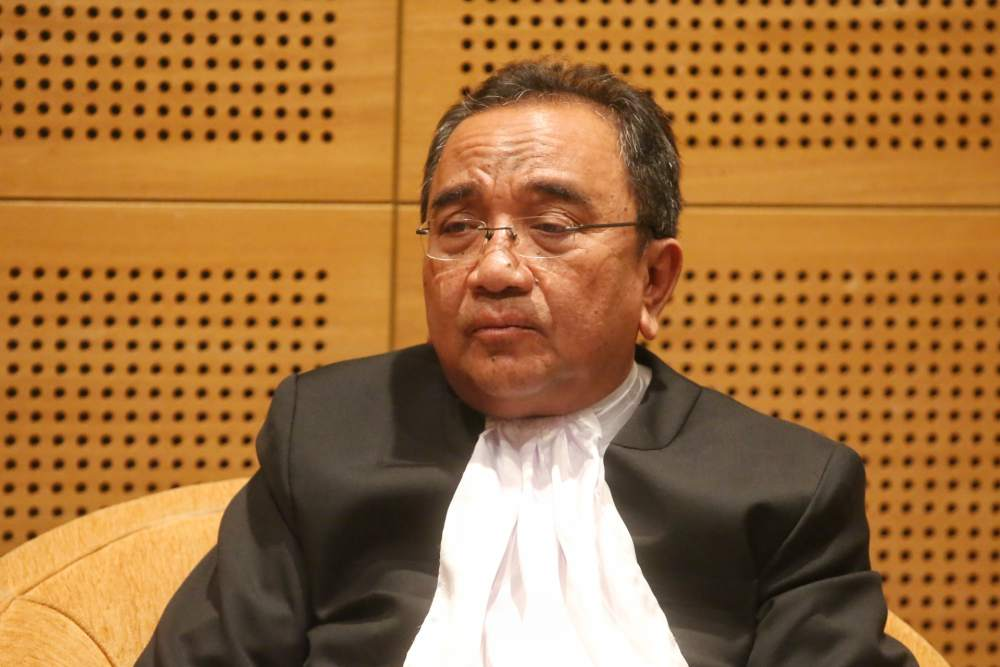 Chief Judge of Malaya, Tan Sri Azahar Mohamed who delivered the court's 8-1 majority decision said prescribing the measure of punishment was the prerogative of Parliament. ― Picture by Choo Choy May