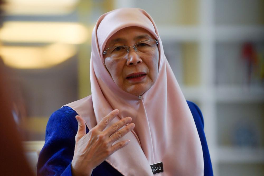Deputy Prime Minister Datuk Seri Dr Wan Azizah Wan Ismail said Malaysia has the capacity to deal with the 2019 novel coronavirus situation. — Bernama pic