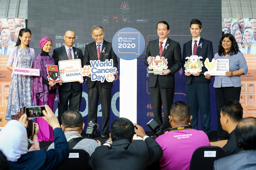 Health Minister Datuk Seri Dzulkefly Ahmad (fourth left) at the launch of the World Cancer Day 2020 campaign at KL Sentral, Kuala Lumpur February 4, 2020. — Pictures by Yusof Mat Isa