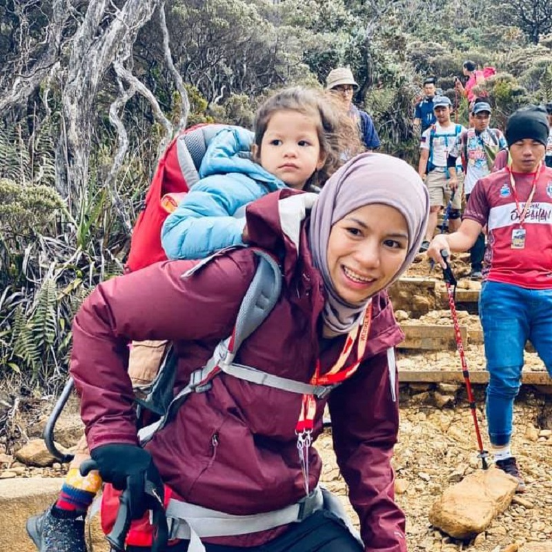 It was a challenging climb but Siti Aminah said her daughter gave her the strength to push on. — Picture via Facebook/sitiaminah.borhan