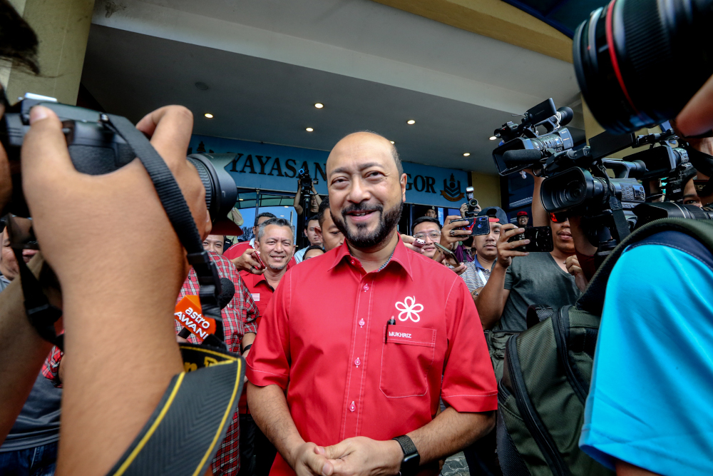 Mukhriz denies that the PH government has collapsed in Kedah. — Picture by Firdaus Latif