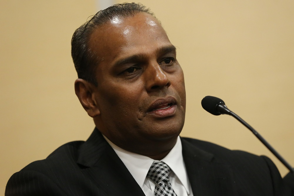 Datuk Seri M. Saravanan says employment of foreign workers must involve those still in the country, and still have a valid work permit as well as in the same employment sector. — Picture by Yusof Mat Isa