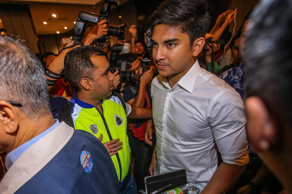 Syed Saddiq Abdul Rahman today declared that he would never work with those involved in corruption to form a government. — Picture by Hari Anggara