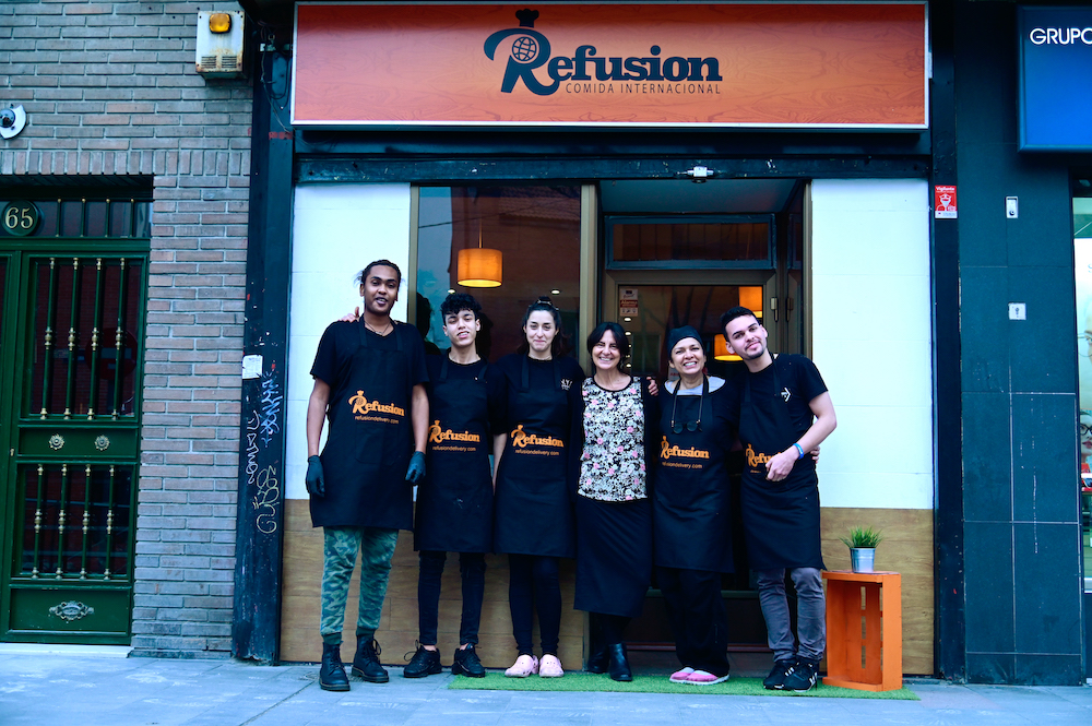 (From left) Sudanese chef Ahamed Mohamed, Morrocan chef assistant Souhaib Chabchaoui, Syrian chef Hala Doudieh, Spanish Elena Suarez, founding partner of the Refusion restaurant, Venezuelan chef Yolanda Medina. — AFP pic
