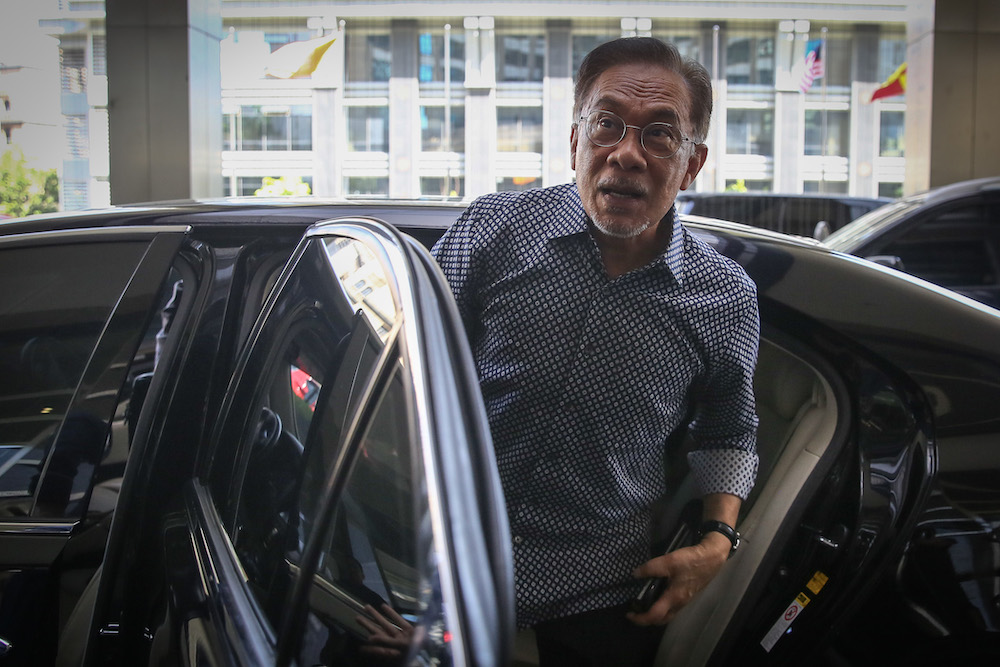 PKR president Datuk Seri Anwar Ibrahim arrives at Eastin Hotel in Petaling Jaya February 29, 2020. — Picture by Yusof Mat Isa