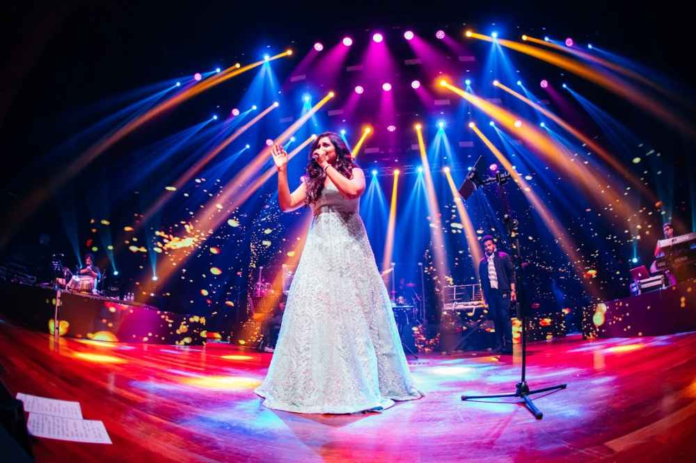 Shreya Ghoshal dazzling the crowd with her performance. ― Picture courtesy of Hitman Solutions