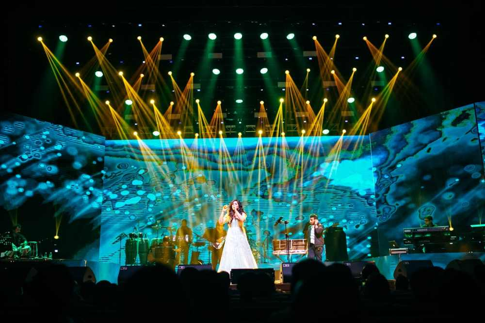 Shreya delivering her soulful, Sunn Raha Hai, to the audience. ― Picture courtesy of Hitman Solutions