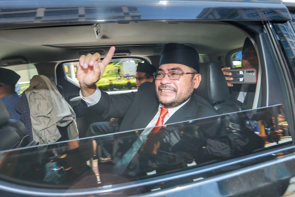 Datuk Seri Mujahid Yusof Rawa arrives at Istana Negara February 26,2020. — Picture by Ahmad Zamzahuri