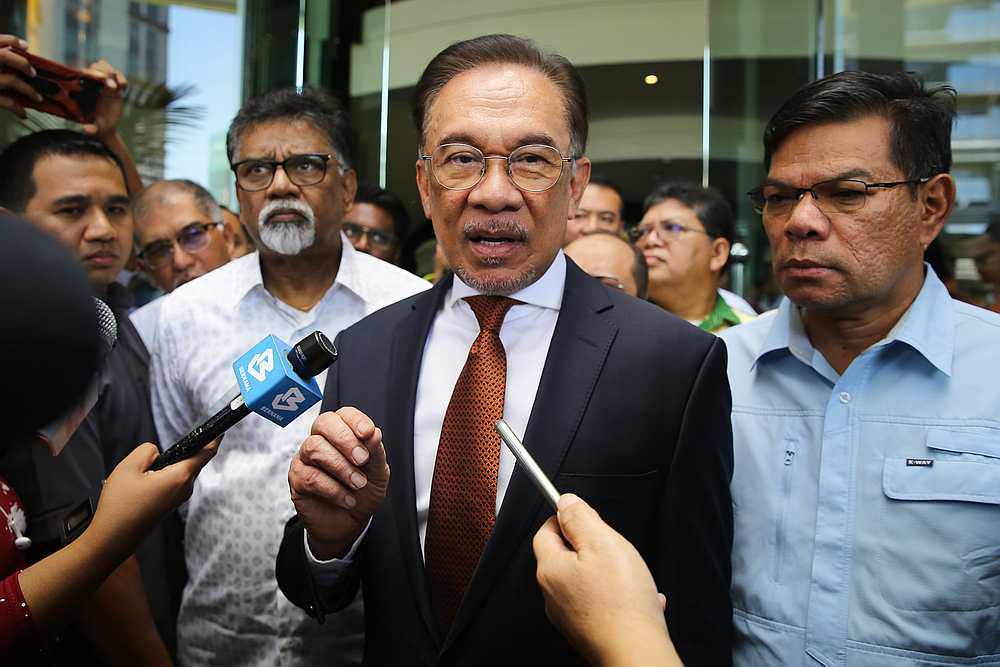 PKR president Datuk Seri Anwar Ibrahim today assured that the Pakatan Harapan coalition is stable and is ready to speak up for the people as it did before. — Picture by Yusof Mat Isa
