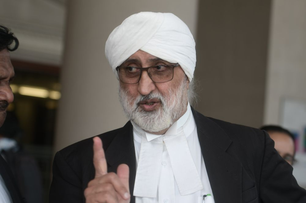 Lawyer Jagjit Singh speaks to reporters at the Kuala Lumpur Court Complex February 3 , 2020. — Picture by Shafwan Zaidon