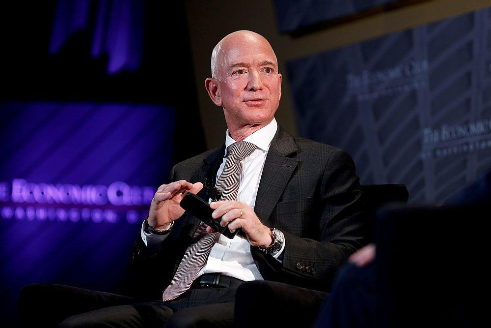 Bezos akan kekal sebagai ketua dewan setelah dia meletak jawatan sebagai ketua eksekutif Amazon akhir tahun ini.  - Gambar Reuters
