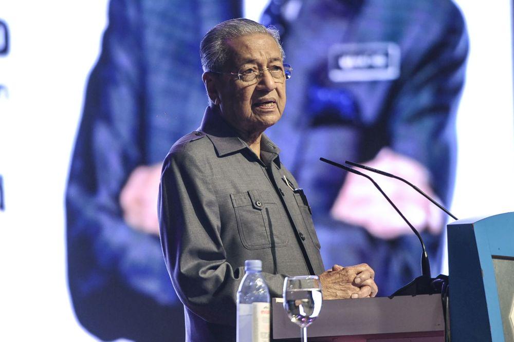 马哈迪希望国盟政府能更重视医生的意见,并指医生才是抗疫方面的专家。-Shafwan Zaidon摄-