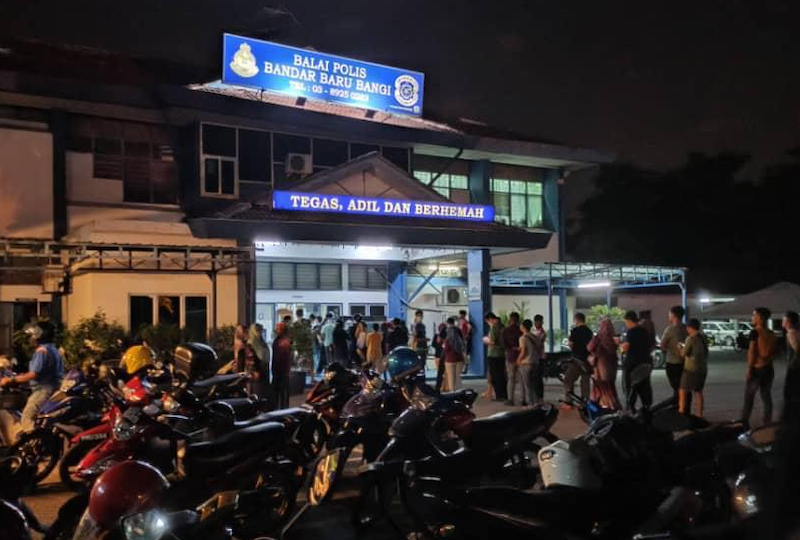 Photos of beelines forming outside several police stations are already being circulated on social media and instant messaging applications. — Social media picture