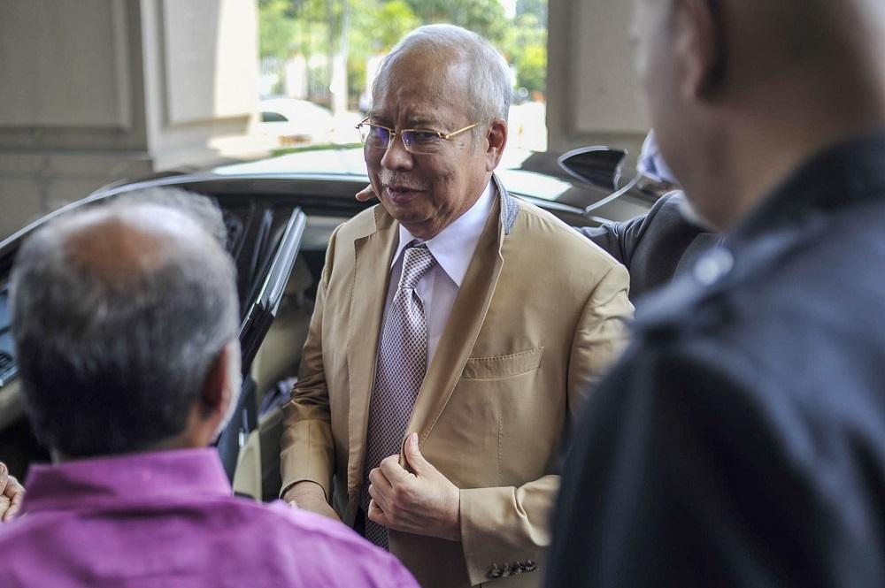 Datuk Seri Najib Razak arrives at the Kuala Lumpur Court Complex March 4, 2020. ― Picture by Shafwan Zaidon
